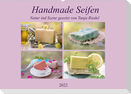 Handmade Seifen - Natur in Szene gesetztCH-Version  (Wandkalender 2022 DIN A2 quer)