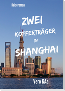 Zwei Kofferträger in Shanghai